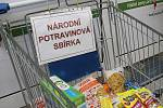 Lidé darovali potraviny