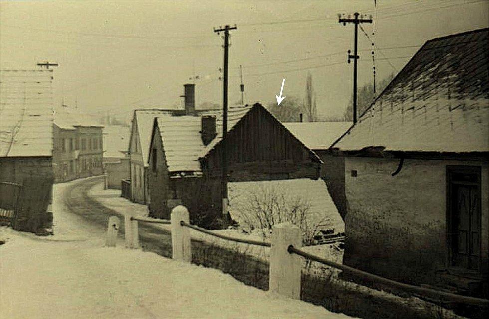 Šanov, bývalá kovárna v roce 1960.