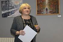 Slavnostní zahájení výstavy obrazů Larisy Matejové a jejích studentů ve Vinotéce ve Vysoké v Rakovníku.