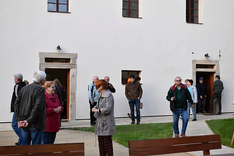 Ze slavnostního otevření komunitního centra v Kněževsi.