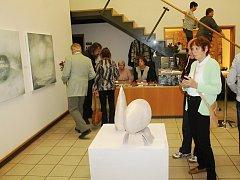 Slavnostní vernisáž výstavy Zastavení kolínského umělce Pavla Rajdla.