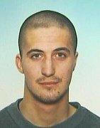 Policie pátrá po Petru Sonnleitnerovi z Mostu, který pobodal ze soboty na neděli při potyčce muže.