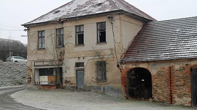 V Čisté hyzdí obec dům čp. 197.