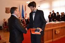 Slavnostní předání maturitního vysvědčení maturantům Gymnázia J. A. Komenského v Novém Strašecí