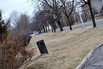 V místech bývalé silnice u vlakového nádraží by mohlo vzniknout parkoviště
