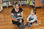 Z Týdne knihoven 2021, který pokračoval čtením a hraním s pohádkovou postavičkou krtečka v dětském oddělení rakovnické knihovny.