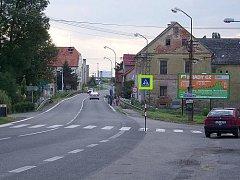 Karlovarská silnice v Hořesedlích