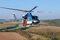 Ze cvičení leteckých záchranářů nedaleko Týřovic.