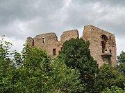 Umístění sochy Jana Husa na jižní stráň zříceniny hradu Krakovec