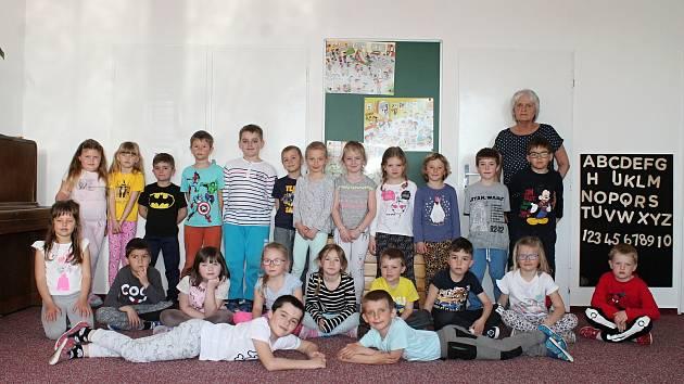 Starší děti MŠ Průběžná chodí do červeného pavilonu a mají již intenzivní přípravu na školu.