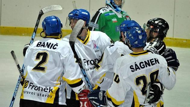Rakovničtí hokejisté porazili Příbram 6:5 na svém ledě a zahrají si finále play off