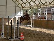 Na Aura ranči v Krupé si na koních zasoutěžili děti i dospělí.