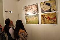 Slavnostní zahájení výstavy fotografií s názvem Afrika ještě žije, jejichž autorem je Vilém Žák. Výstava bude v galerii Viktora Olivy k vidění do konce února.
