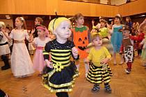 Dětský karneval v Novostrašeckém kulturním centru.