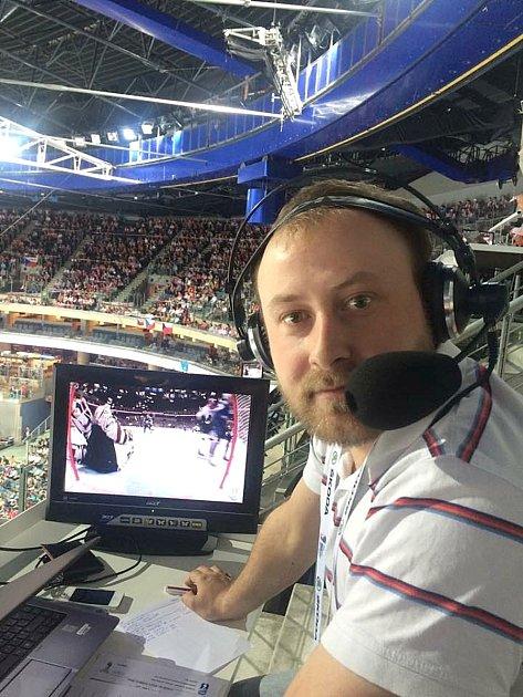 Reportér ČR Radiožurnál František Kuna komentuje MS vhokeji.