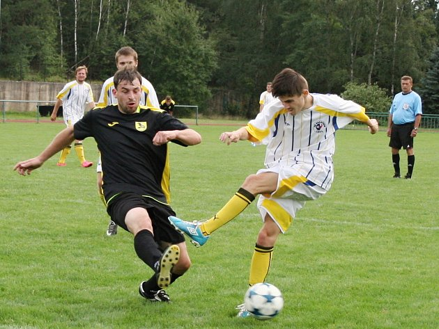 Fotbalisté rezervy SK Rakovník rozstříleli v přípravném duelu Kryry 6:2.