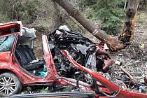 Z nehody u obce Lužná 15. května 2021.