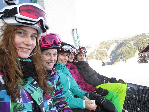 Novostrašečtí gymnazisté lyžují v Alpách