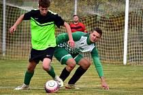 Lišany (v zeleném) po úspěchu na Tatranu šokovaly další výhrou nad favoritem - Kněževes porazily jasně 4:1.