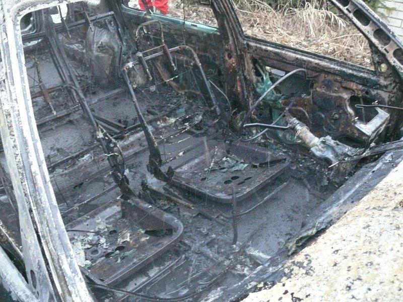 V kempu Višňová na Křivoklátsku shořel osobní automobil