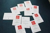 Diplomy, které studenti získali