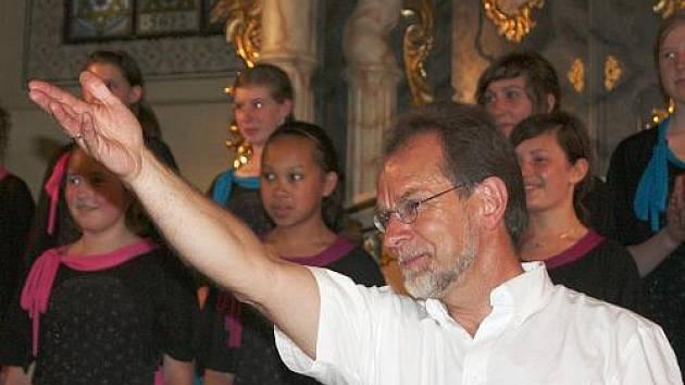 Koncert belgického pěveckého sboru v galerii