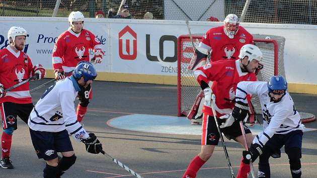 Hokejbalisté Rakovníka prohráli doma s Alpigem Kladno 1:4.