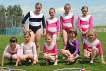 Členky kroužku moderní gymnastiky při DDM v Novém Strašecí