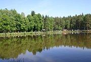 Rybářské závody u rybníka Štikový v Krtech