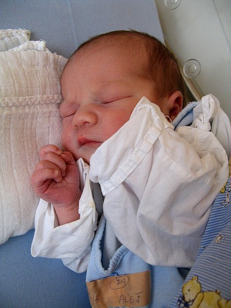 ALEŠ VOREL z Rakovníka se v rakovnické nemocnici narodil 24. února 2008 v 15:30. Chlapeček po narození vážil 3,30 kilogramu a měřil 48 centimetrů.