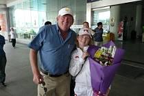 Na letišti Olivii přivítal Edward Knapp