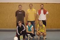 Populárním se stal víceboj smíšených párů, kterému letos vévodila dvojice Skoupá - Červený (uprostřed) před Jiříkovou s Foldou (vpravo) a bronzovými Koutníkem a Bechnerovou
