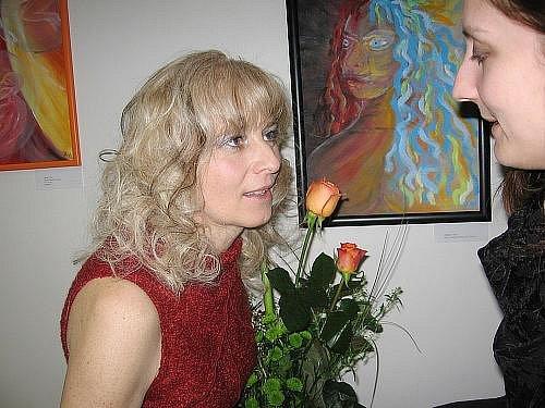 Julie Kolocová během vernisáže