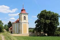 V kostele sv. Martina ve Všesulově se budou restaurovat náhrobky.