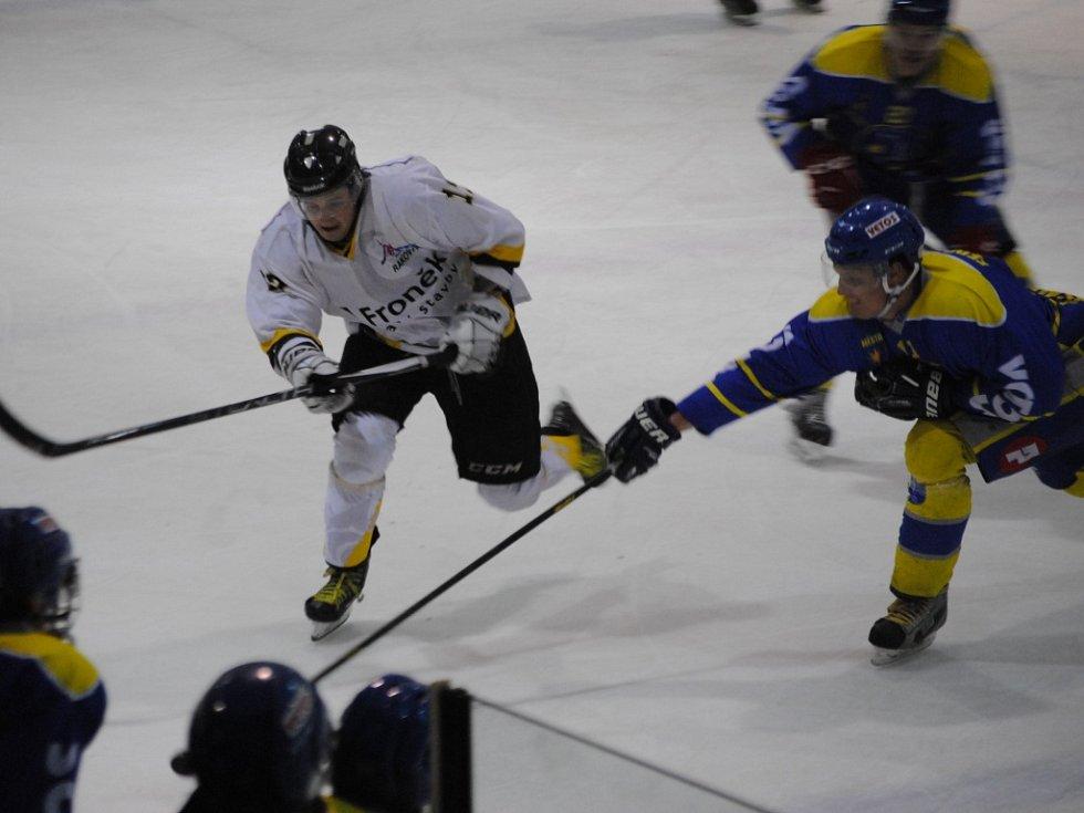 Rakovničtí hokejisté měli utkání s Benešovem rozehrané dobře, ovšem hosté výsledek otočili. Rakovník zůstává poslední