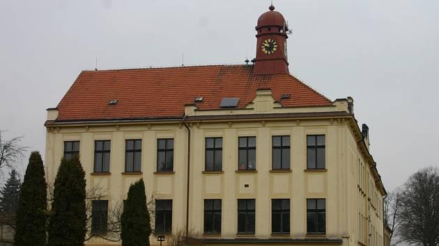 Základní škola v Lužné