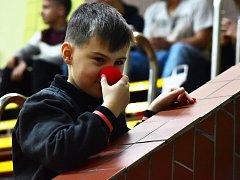 Třetí ročník charitativní akce Nakopeme dětem za účasti osobností z Real Top Praha se velmi vydařil. Vybrala se úžasná částka 322 tisíc korun.