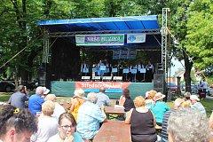 Nedělní odpoledne v Kněževsi patřilo milovníkům dechové hudby.