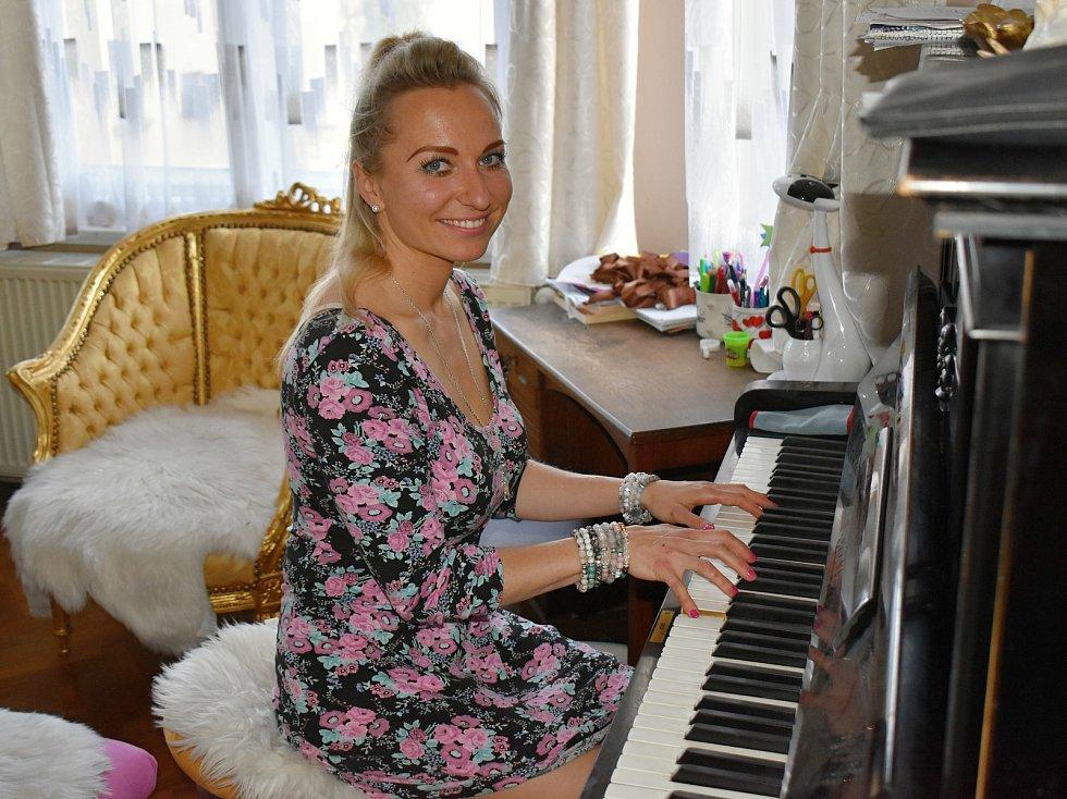 Hudebnice Zuzana Dubnová se k profesionálnímu hraní možná již nevrátí.