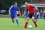 Z fotbalového utkání okresního přeboru Kněževes - Jesenice (1:0)