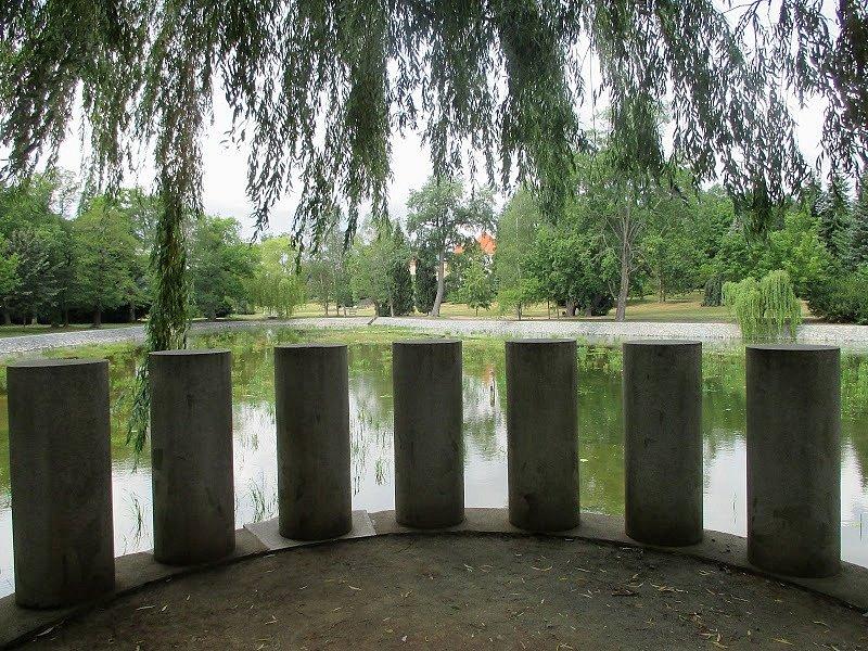 Ze zámeckého parku v Lánech.