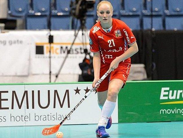 Florbalistka z Nového Strašecí Martina Řepková vstřelila na světovém šampionátu v Bratislavě dvě branky.