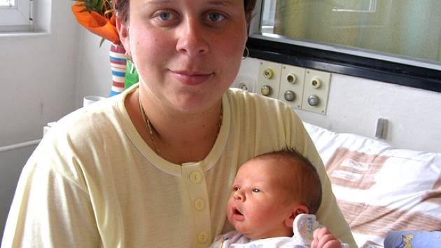 Vítek Prchal z Jesenic se v rakovnické nemocnici narodil 12. 7. 2008 deset minut před půlnocí manželům Michaele a Danielovi. Chlapeček měřil 51 centimetrů a vážil 3,75 kilogramů.