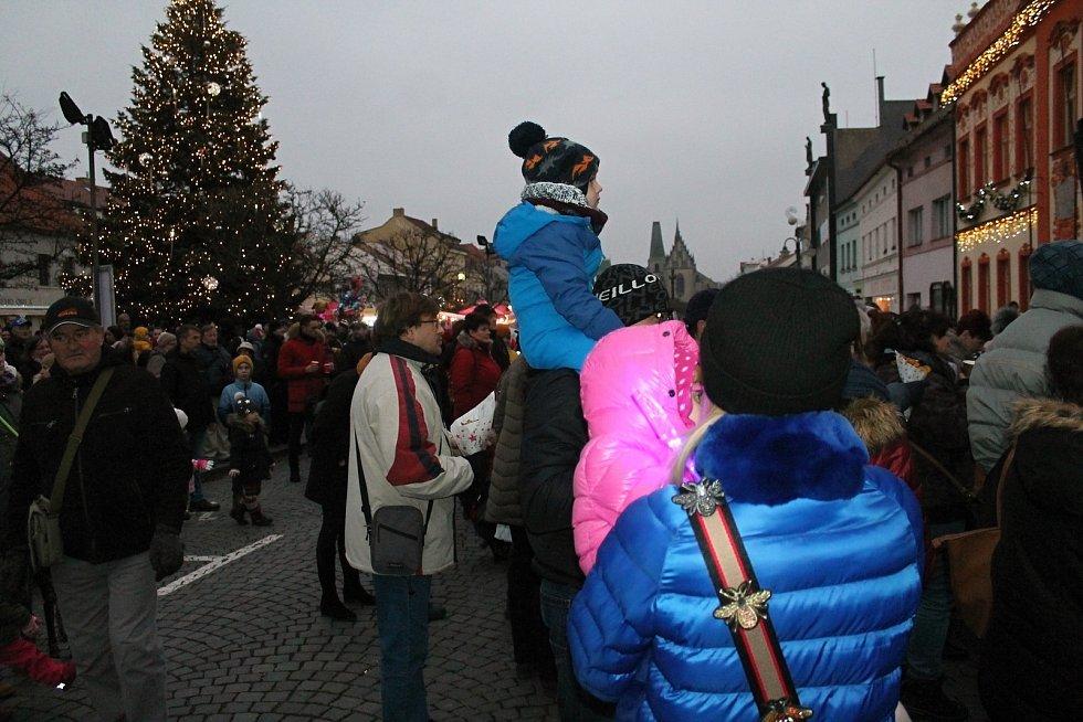 Mikuláš na Husově náměstí v Rakovníku.