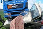 Řidič osobního vozidla neměl šanci nehodu přežít