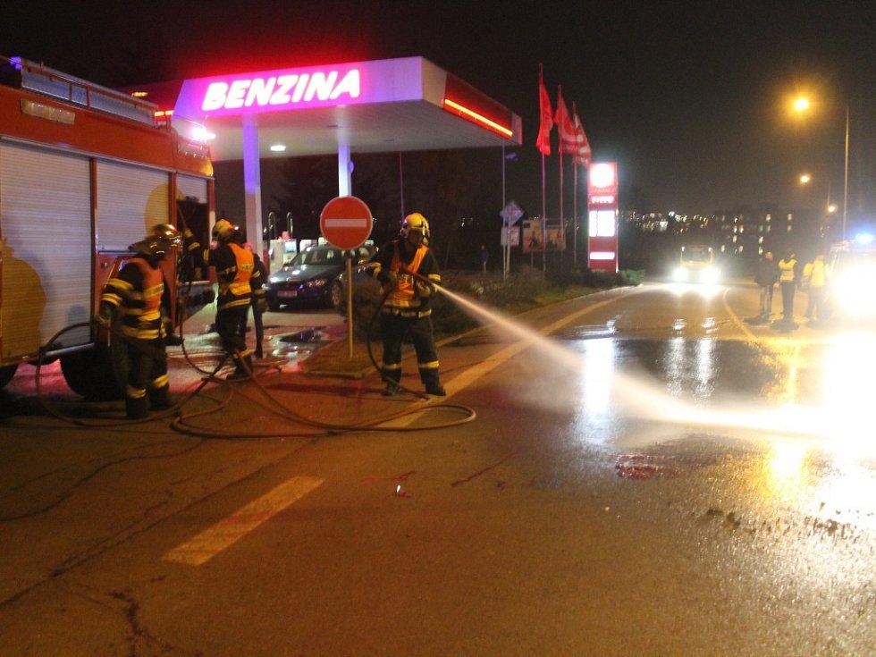Tragická nehoda u benzinové pumpy na Plzeňské ulici