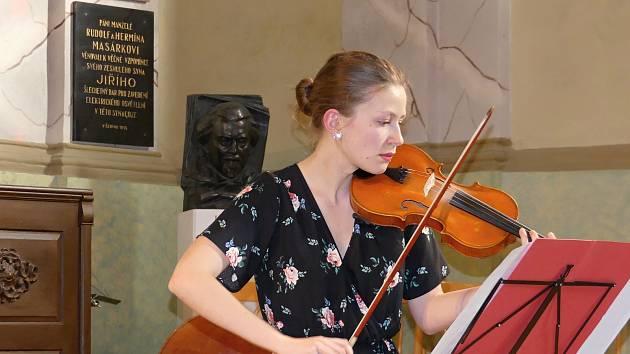 Absolventský koncert Základní umělecké školy Rakovník v Heroldově síni.