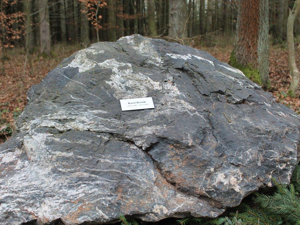 Pamětní kámen věnovaný K. Breníkovi