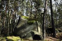Přírodní památka Krtské skály byla vyhlášena v roce 2002 a nachází se u obce Krty v okrese Rakovník. Chráněné území je v péči Krajského úřadu Středočeského kraje.