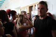 Studenti v Rakovníku protestovali proti propouštění učitelů.